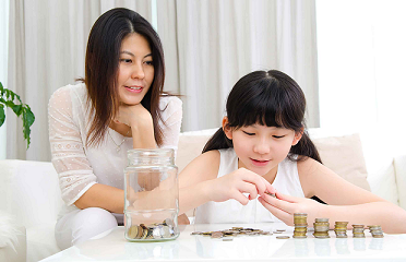 Moms Take the Lead in Teaching Kids to be Financially Savvy